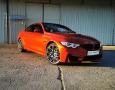 Foto BMW M4 Competition Sakhir Orange / Carbon